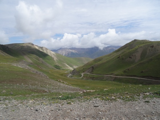 The main access road to Song-Kul
